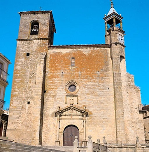 St. Martin´s church (15th-16th century) in Main Square, Trujillo. Caceres province, Extremadura, Spain : Stock Photo