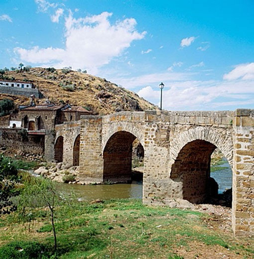 Stock Photo: 1566-374918 San Lazaro bridge over river Jerte, Plasencia. Caceres province, Extremadura, Spain