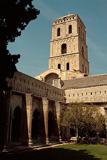 Stock Photo: 1566-378483 Saint-Trophime church. Arles. Bouches-du-Rhone dep. Provence. France Saint-Trophime (St. Trophimus) church (formerly cathedral). Built between 12th and 14th centuries, with elements of romanesque and gothic architecture.