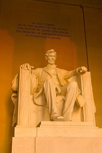 Stock Photo: 1566-378900 Statue of Abraham Lincoln, Lincoln Memorial,  Washington, District of Columbia, USA