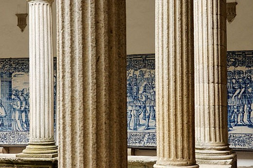The cloister of the two-towered 17th century cathedral. Viseu city. Beiras Region. Portugal : Stock Photo