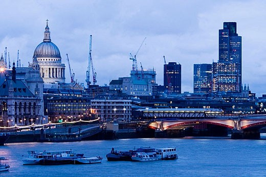 Stock Photo: 1566-381995 View of Thames River towards St. Paul´s Cathedral. Evening. London. England. UK.