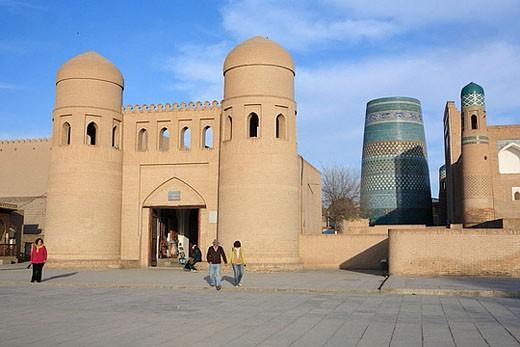 Stock Photo: 1566-382798 City gate, Khiva, Uzbekistan