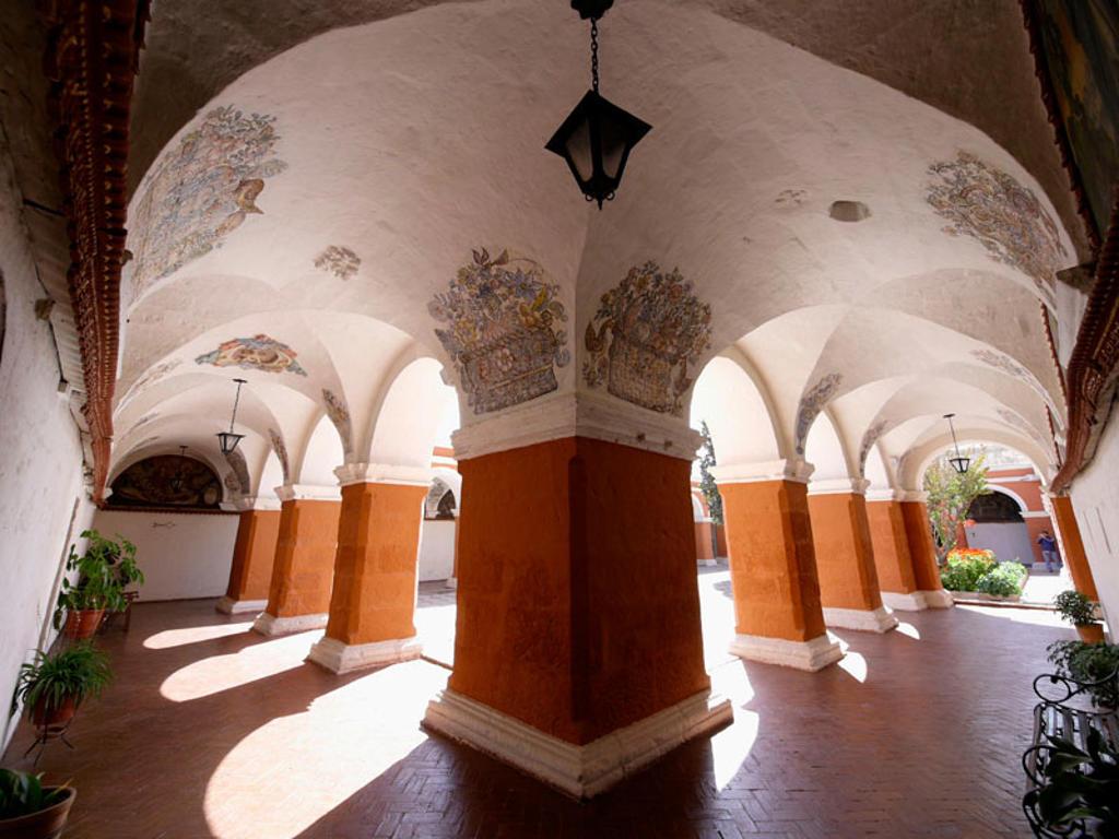 Stock Photo: 1566-385592 Monasterio de Santa Catalina de Siena, en Arequipa, Perú.