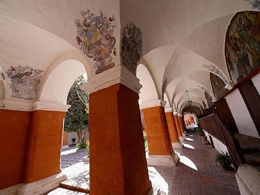 Stock Photo: 1566-385594 Monasterio de Santa Catalina de Siena, en Arequipa, Perú.