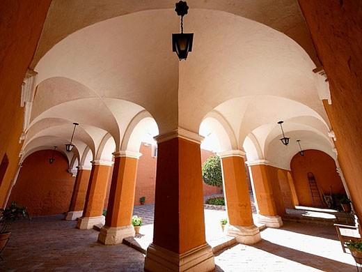 Stock Photo: 1566-385596 Monasterio de Santa Catalina de Siena, en Arequipa, Perú.