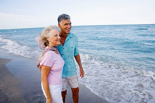 caucasians, age 70´s to 80´s, beach : Stock Photo