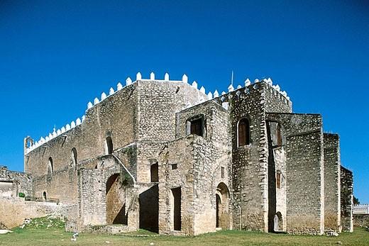 Stock Photo: 1566-390461 Mexico. Yucatan. Izamal. San Antonio de Padua convent. (16th century).