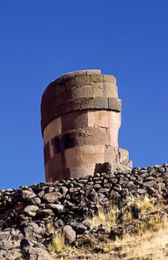 Stock Photo: 1566-396686 Pre Inca Funerary Tower (Chullpa).  Sillustani, Puno, Peru