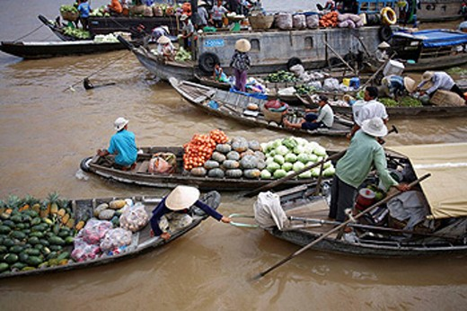 Floating market of Can Tho, Vietnam. : Stock Photo