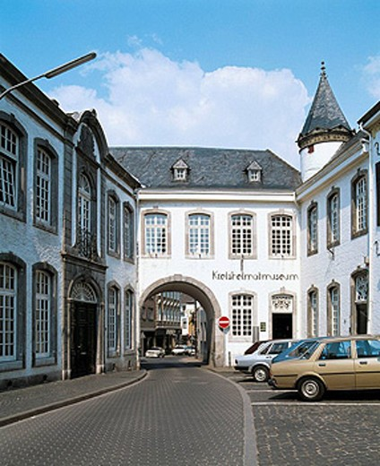 Germany, Heinsberg, Wurm Valley, Rur Valley, Lower Rhine, North Rhine-Westphalia, Torbogen House, baroque, local heritage museum, museum of the district Heinsberg, archway : Stock Photo