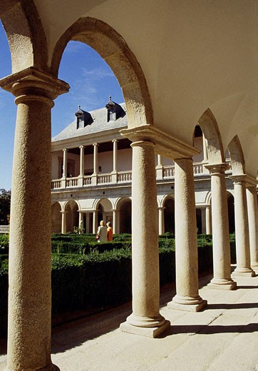 Stock Photo: 1566-406890 Arcade in Frailes garden, San Lorenzo del Escorial monastery. Madrid province, Spain