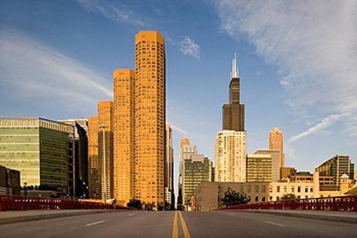 DOWNTOWN SKYLINE, VAN BUREN STREET, CHICAGO, ILLINOIS, USA : Stock Photo