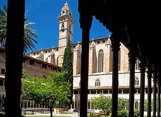 Stock Photo: 1566-416257 The Iglesia (church) de San Francisco from the cloister. Palma de Mallorca. Balearic Islands. Spain.
