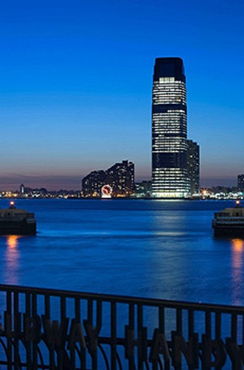 GOLDMAN SACHS TOWER JERSEY CITY. HUDSON RIVER. NEW JERSEY. USA : Stock Photo
