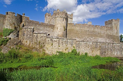 Stock Photo: 1566-423734 Cahir Castle, Cahir Town, County Tipperary, Ireland