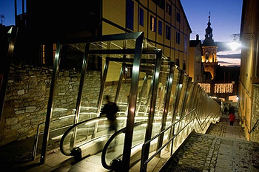 Moving walkway connecting old town with the city, Vitoria. Alava, Euskadi, Spain : Stock Photo