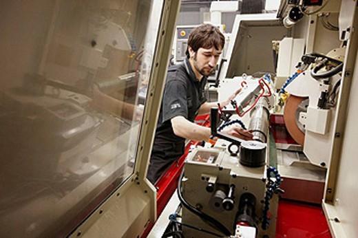 Stock Photo: 1566-427654 Grinding machine, spindle manufacturing. Mendaro, Gipuzkoa, Euskadi, Spain