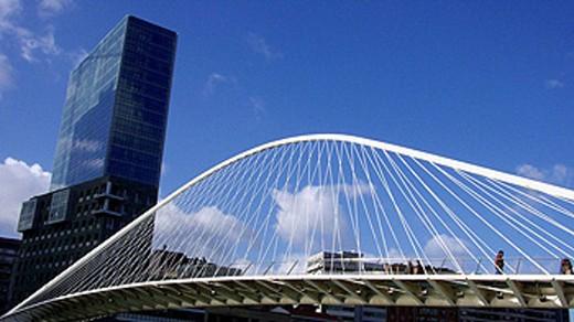 Stock Photo: 1566-429450 Puente Zubizuri, Bilbao. Euskadi. Spain