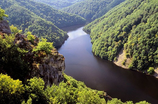 Stock Photo: 1566-433274 panoramic viewpoint on the Dordogne river, Corrèze,  France