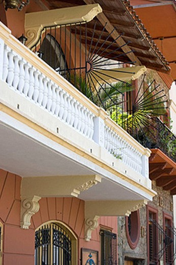 BALCONY COLONIAL HOMES PLAZA BOLIVAR CASCO ANTIGUO SAN FILIPE PANAMA CITY REPUBLIC OF PANAMA : Stock Photo