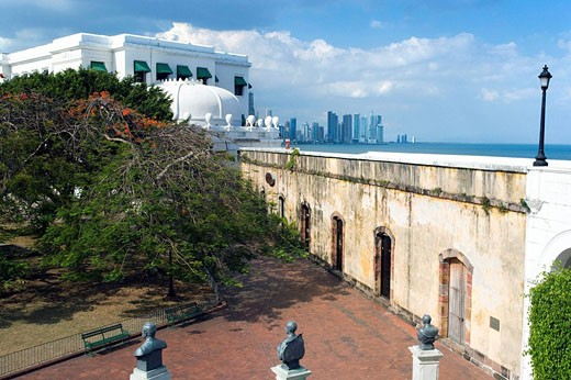 PLAZA DE FRANCIA LAS BOVEDAS CASCO ANTIGUO SAN FILIPE PANAMA CITY REPUBLIC OF PANAMA : Stock Photo