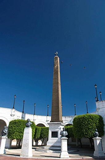 OBELISK PLAZA DE FRANCIA LAS BOVEDAS CASCO ANTIGUO SAN FILIPE PANAMA CITY REPUBLIC OF PANAMA : Stock Photo