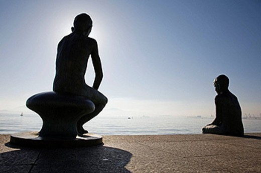 ´Los Raqueros´ statues at Muelle de Calderón, Santander. Cantabria, Spain : Stock Photo
