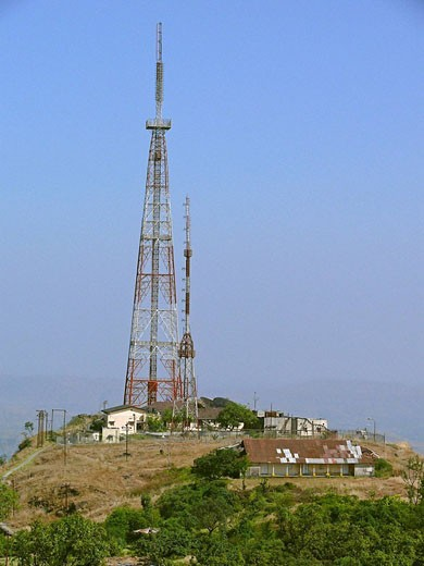 A Television´s signal receiving tower at Sinhanghad  Pune, Maharashtra, India : Stock Photo