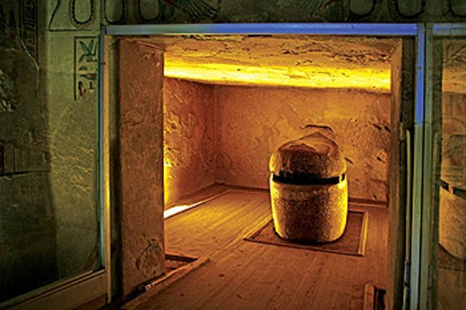 Queens Valley: sarcophagus room of the Amen Khopshef tomb. Luxor west bank. Egypt. : Stock Photo