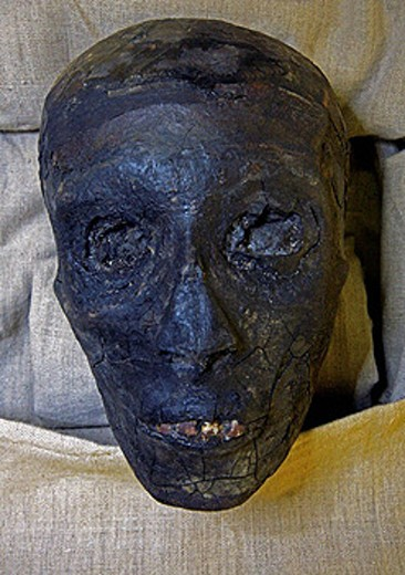Stock Photo: 1566-437958 Kings Valley:tumb of Tut Ank Amon.Mummy of Tut Ank Amon. Luxor west bank. Egypt