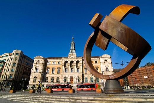 ´Variante ovoide de la desocupación de la esfera´, sculpture by Jorge Oteiza. City Hall. Bilbao. Bizkaia. Euskadi. Spain. : Stock Photo