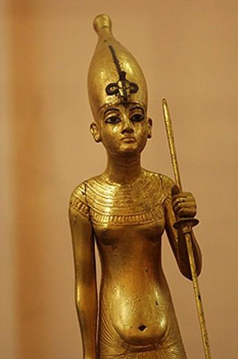 The King as Harpooner, A Golden Statue of king Tutankhamon, New Kingdom, Egyptian museum, Cairo, Egypt : Stock Photo