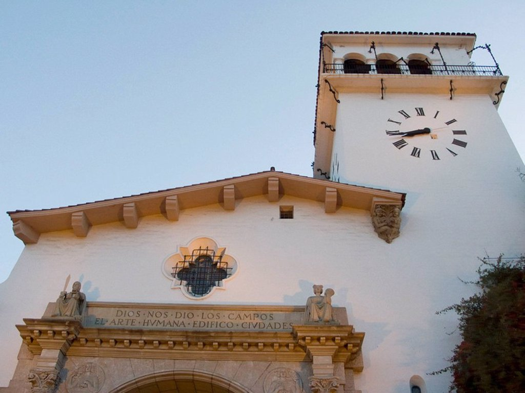 Stock Photo: 1566-447267 Spanish Mission style architecture of the County Courthouse in Santa Barbara, California, USA