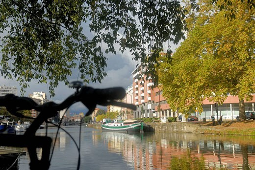 Canal du Midi at Toulouse. Haute-Garonne, Midi-Pyrenees, France : Stock Photo