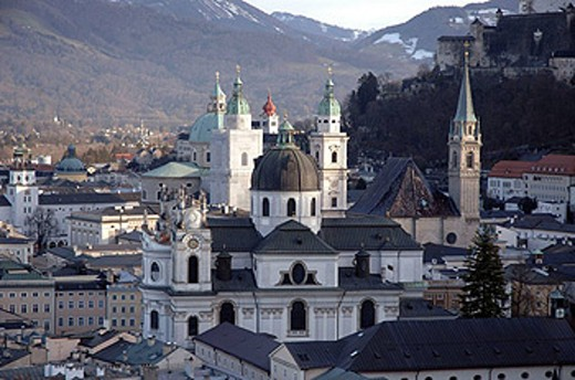 Stock Photo: 1566-450385 View of Salzburg from the Mönschberg. Austria