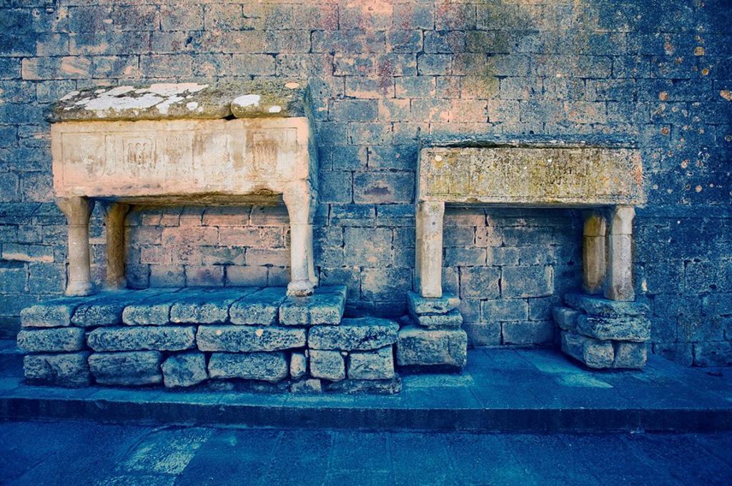 Sarcophagi, Cistercian monastery of Vallbona de les Monges (13th-14th century). Lleida province, Catalonia, Spain : Stock Photo