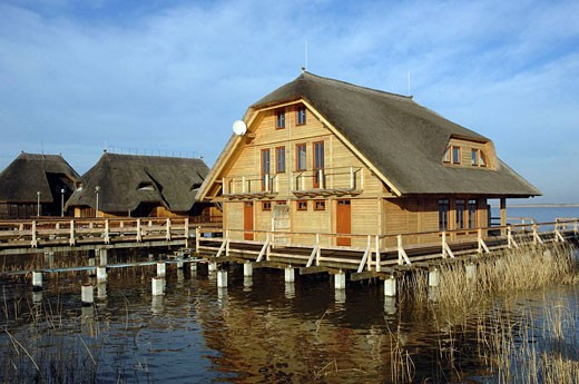 Stock Photo: 1566-457820 Houses at Lake Neusiedl (german: Neusiedlersee, Hungarian: Fertõ tó). Hungary