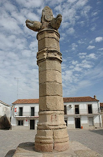 Stock Photo: 1566-457822 Pillory. Belvís de Monroy. Caceres province. Extremadura. Spain