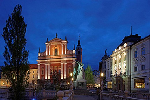 Ljubljana, Franciscan Church of the Annunciation, Baroque, 17th century, Monument to France Preseren, Slovenia´s greatest poet, Triple Bridge, Slovenia : Stock Photo