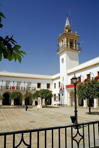 Marchena (Sevilla). España. Plaza de la Constitución y Ayuntamiento del pueblo sevillano de Marchena : Stock Photo