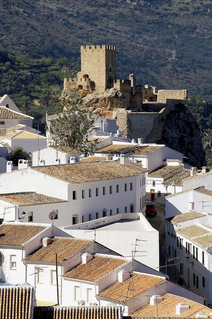 Stock Photo: 1566-465895 Zuheros (Córdoba). España. Panorámica del pueblo de Zuheros en la subbética cordobesa.