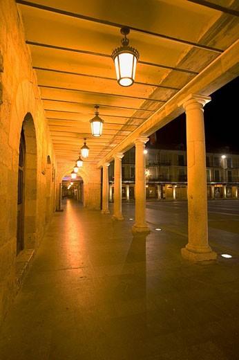 Plaza Mayor, El Burgo de Osma, Soria, España. : Stock Photo