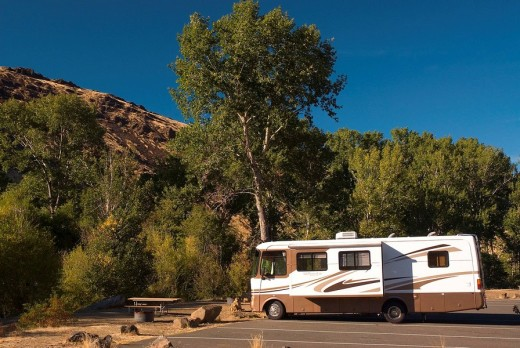 Motorhome, Yakima River Canyon Scenic and Recreational Highway, Washington, USA : Stock Photo