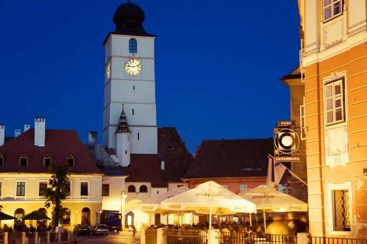 Stock Photo: 1566-469589 Piata Mare, town square, outdoor cafe/restaurants, Sibiu, Transylvania, Romania