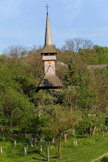 Stock Photo: 1566-469603 Wooden church, Poienile Izei near Sighetu Marmatiei, Maramures, Romania