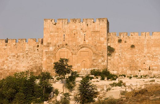 Stock Photo: 1566-469790 Golden gate of the temple mount old city walls jerusalem. Israel.