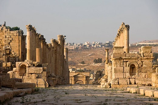 Stock Photo: 1566-469840 Cardo maximus greco roman colonnaded street ruins. Jerash. Jordan.