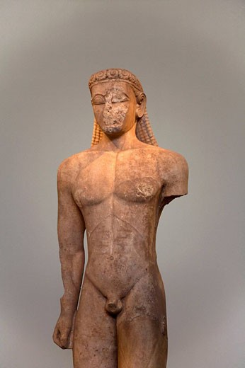 Stock Photo: 1566-470680 Archaic Greek ´kouros´ figure in the National Archaelogical Museum of Athens. Greece