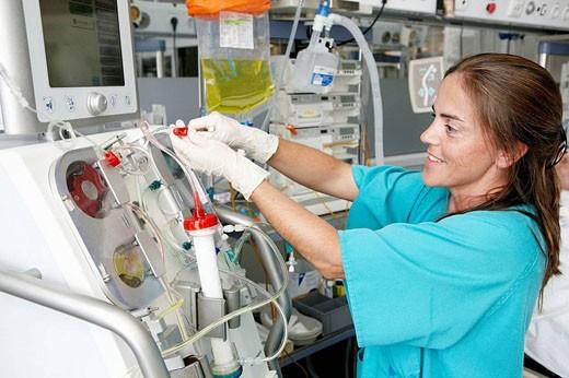 Stock Photo: 1566-471471 Nurse, Resuscitation unit. Hospital Universitario de Gran Canaria Doctor Negrin, Las Palmas de Gran Canaria. Canary Islands, Spain
